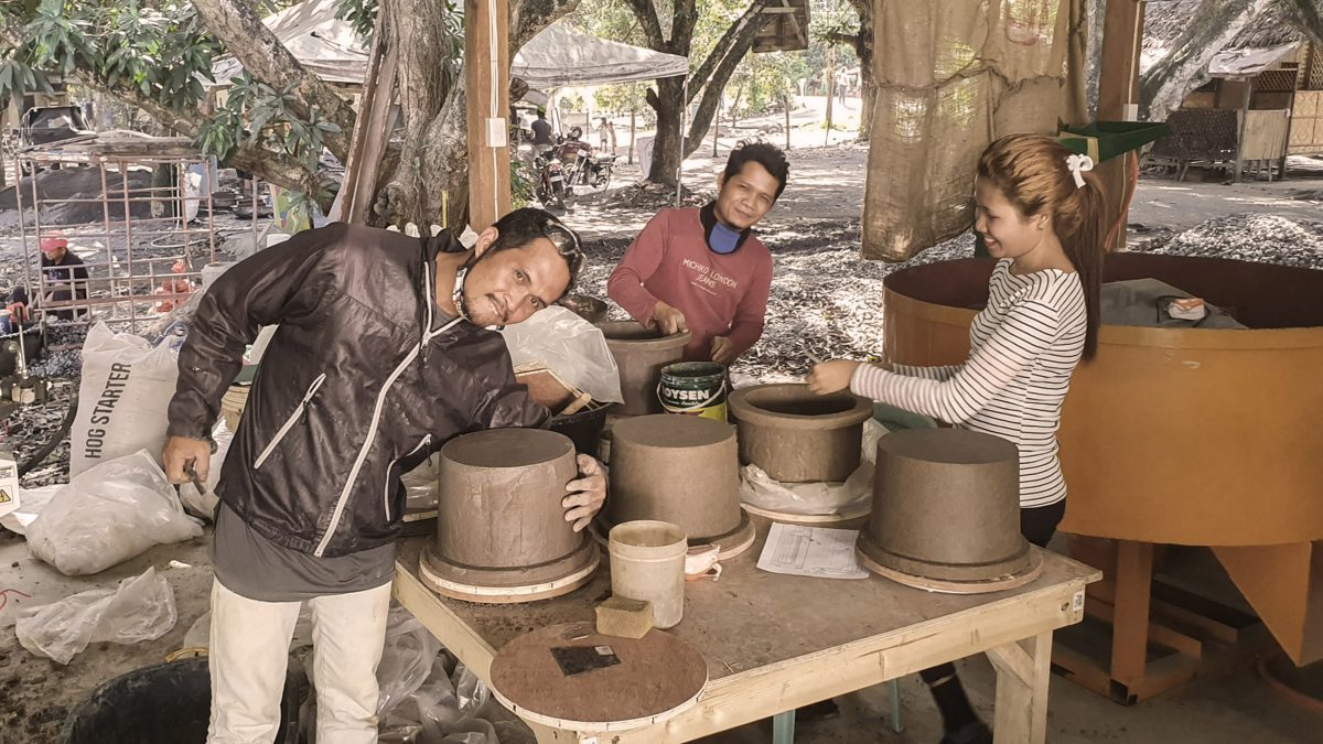 Crafting livelihoods: ceramic pot filter course